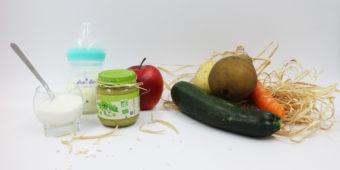 photo de fruits et légumes pour diversifier l'alimentation de bébé dès 4 mois : pomme poire banane courgette, pomme de terre, compote, lait et courge butternut